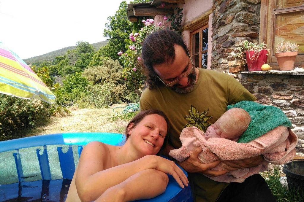 accouchement en piscine à domicile